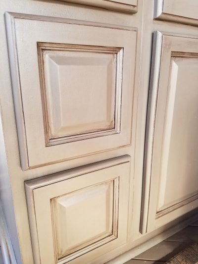 the best and easiest way to paint cabinets