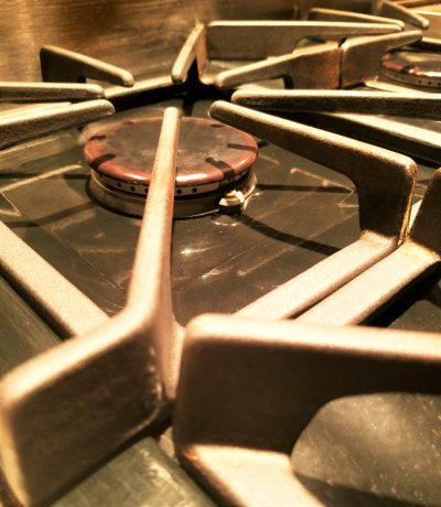 How to Easily Deep Clean Your Stove Top