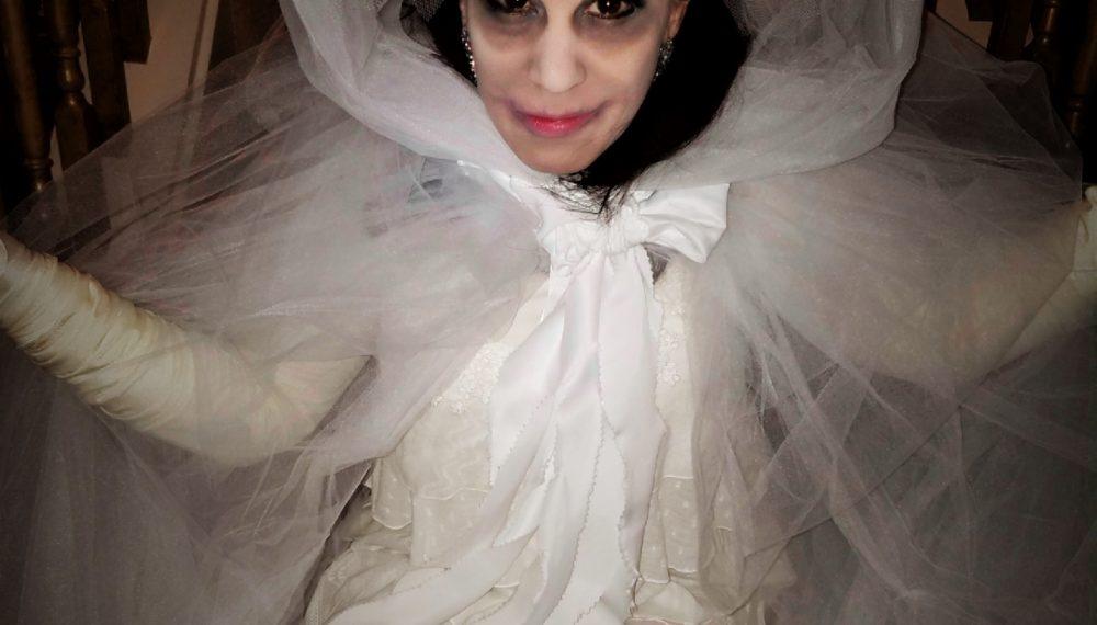 last minute women's DIY victorian ghost costume