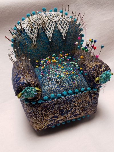 how to make a no-sew easy chair pincushion